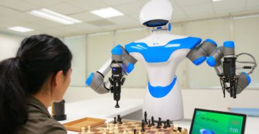 636184559106794281-itri-27s-intelligent-vision-system-enables-a-companion-robot-to-play-chess-at-ces-2017