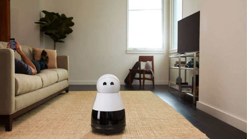 kuri_speaks_robot-930x523