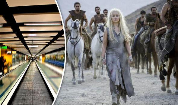 game-of-thrones-fans-gatwick-airport-751230